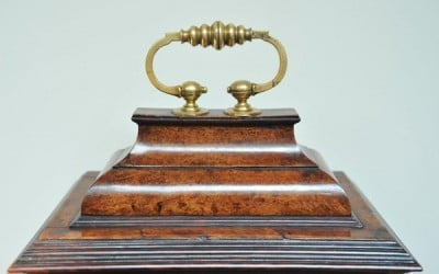 Restoration of an early 18th century burr maple and Kingwood bracket clock