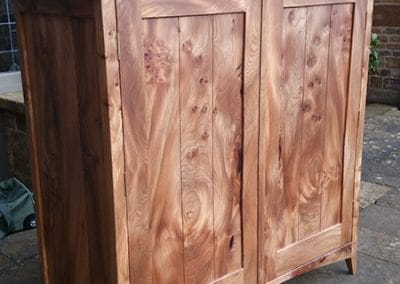 Figured-Scottish-Elm-Bedroom-Furniture3